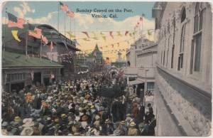 Crowd on Venice Pier copy